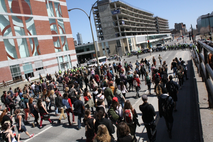 Rappel à la population: manifester est un droit