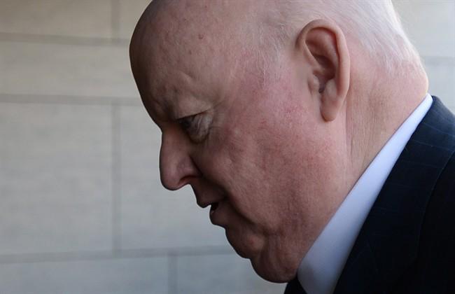 L'avocat de Duffy contre-attaque sur les contrats
