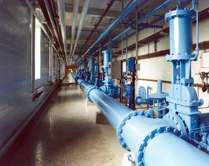 Montréal fermera deux usines d'eau potable