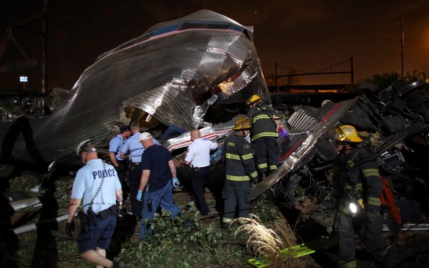 Un train déraille à Philadelphie: 5 morts