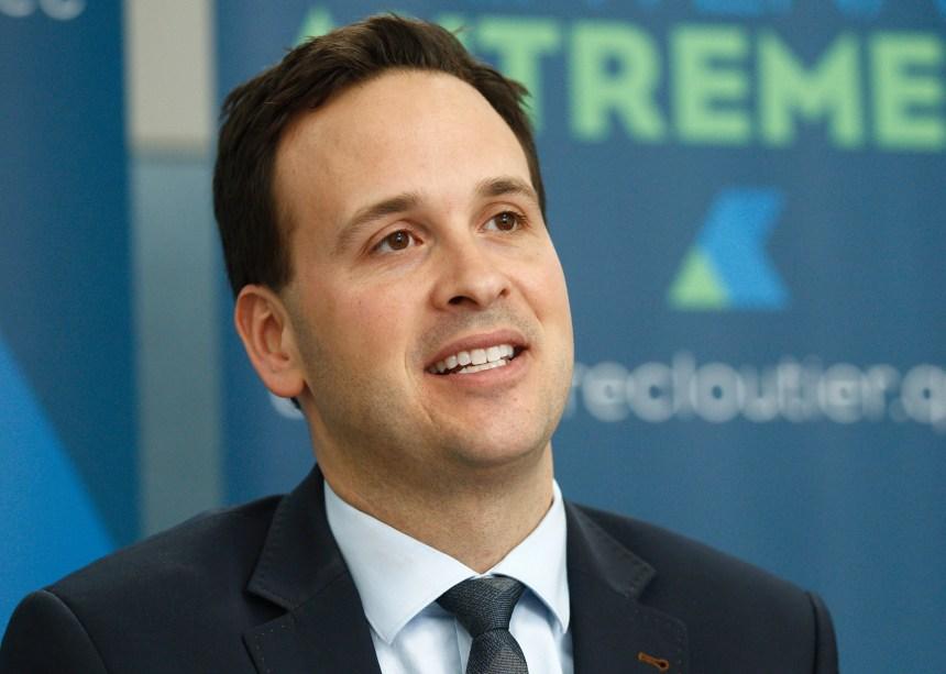 PQ: Cloutier promet d'investir en éducation