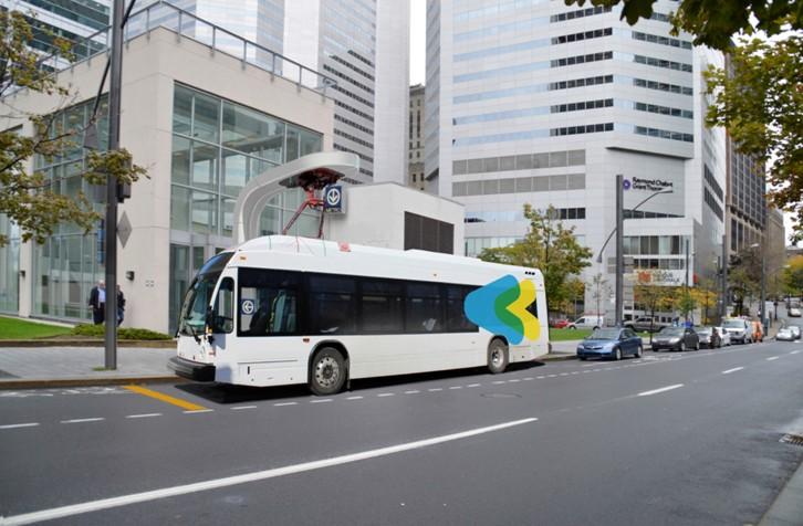La STM testera un bus électrique à recharge rapide