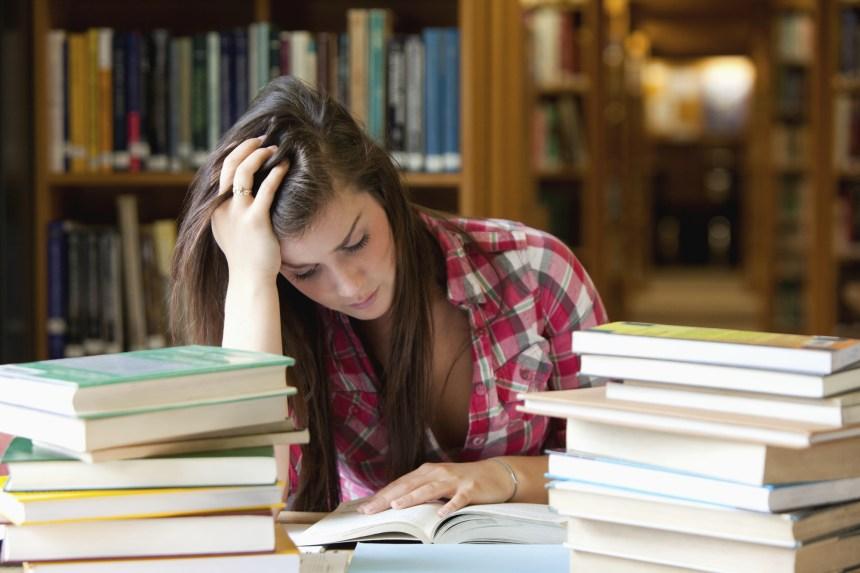 Faut-il réduire le nombre d'étudiants universitaires?