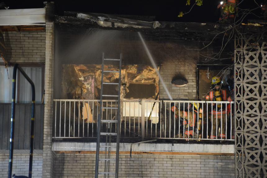 Un immeuble en feu sur l'avenue Christophe-Colomb