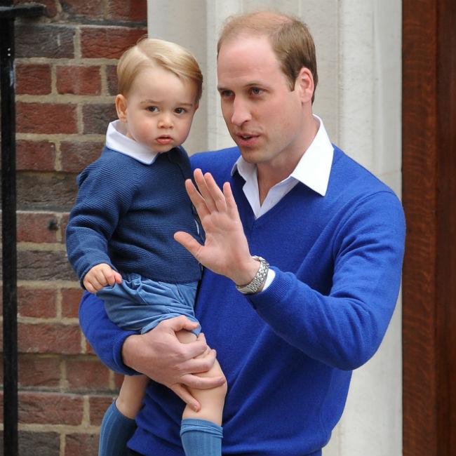 Le prince George fasciné par Charlotte