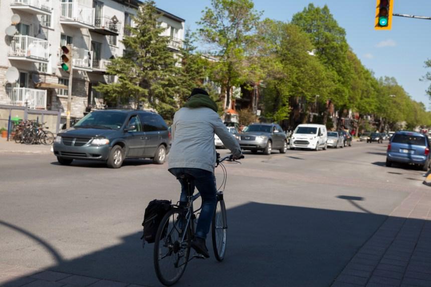 Enfin des voies cyclables dans Parc-Extension