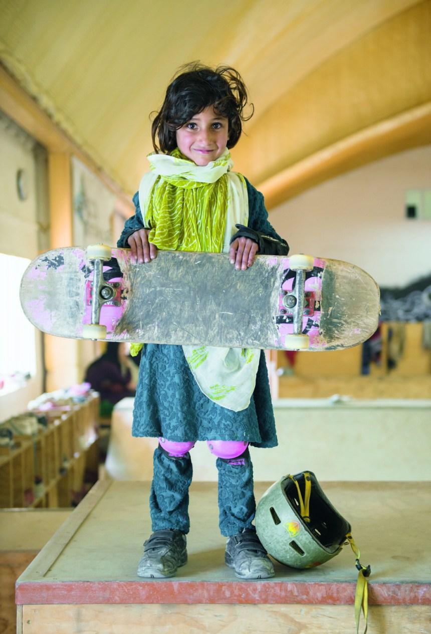 Une planche de salut pour les petites Afghanes
