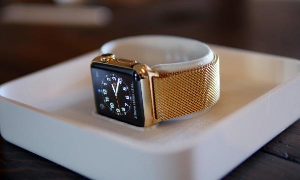 Une Apple Watch plaquée or pour 399$