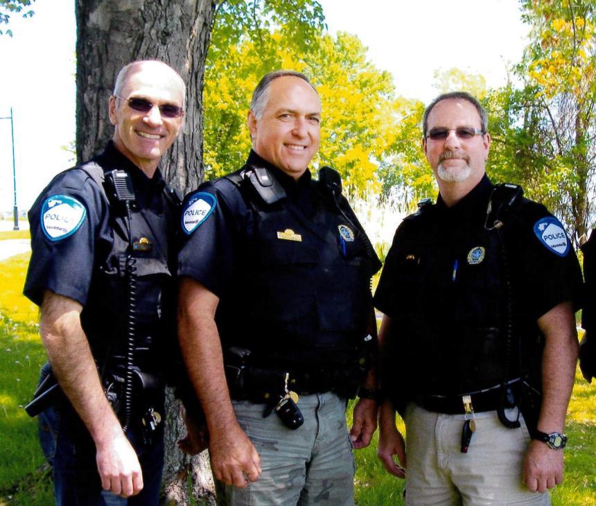 90 ans de services pour trois policiers de LaSalle