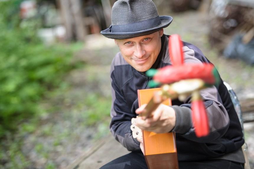Erik West Millette: l'homme qui recueillait les murmures des trains