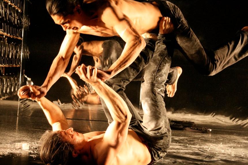 Montréal Complètement Cirque: ensemble, c'est tout