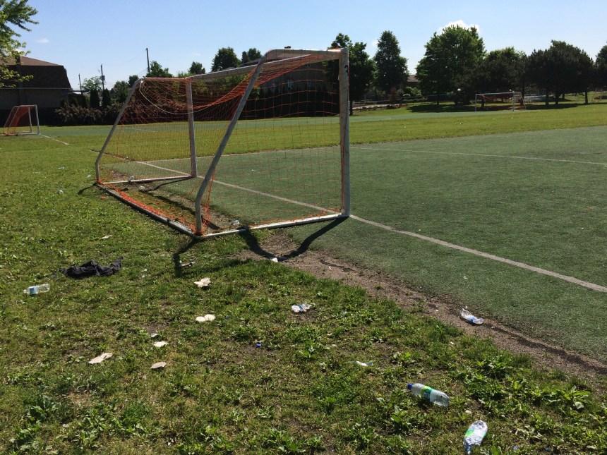 Des terrains de soccer «affreux»