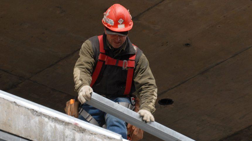 Le taux de chômage atteint 17% au Québec, du jamais vu depuis 1976