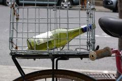 SAQ bouteille vin vélo