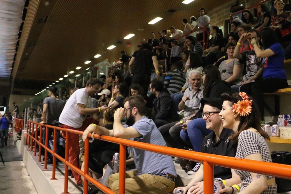 sport-rollerderby-spectateurs
