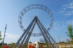 Art public: une grande roue qui sème la discorde