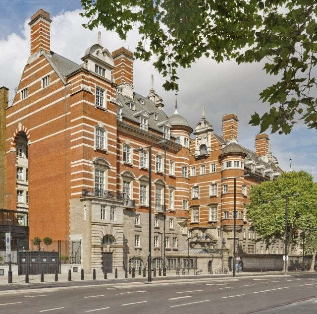 Londres: l'ancien QG de Scotland Yard transformé en hôtel
