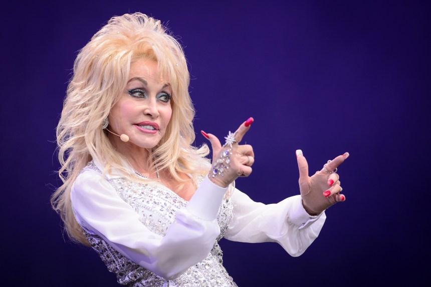 NBC annonce un second film consacré à Dolly Parton