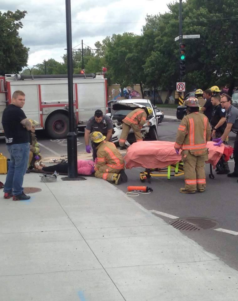 Un accident laisse une conductrice blessée à Pointe-aux-Trembles