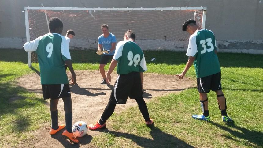 Le soccer pour rapprocher les jeunes et les policiers