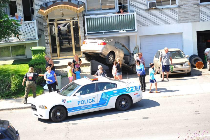 Spectaculaire accident à Montréal-Nord