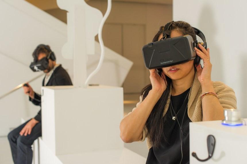 Réalité virtuelle: jouer avec les histoires au Centre Phi