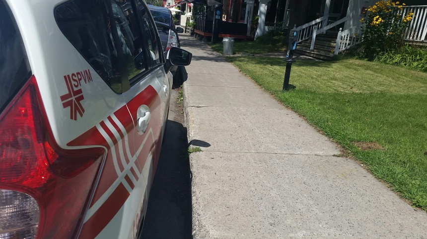 Contraventions: de nouveaux agents de stationnement dans 4 arrondissements