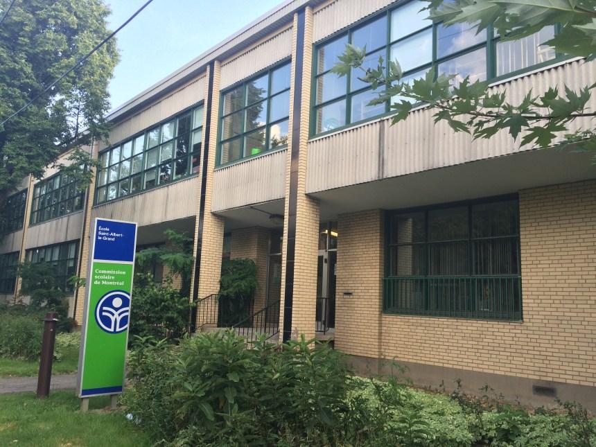 Lisée dépose une pétition pour l'agrandissement de l'école Saint-Albert-Le-Grand