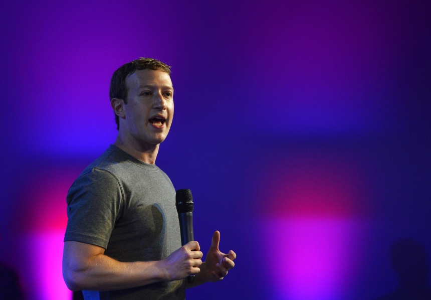 La «bulle Facebook» existe, mais Mark Zuckerberg n'y voit pas de problème
