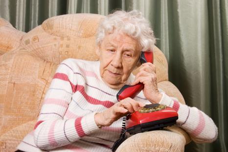 143 fraudes téléphoniques chez les aînés à Montréal