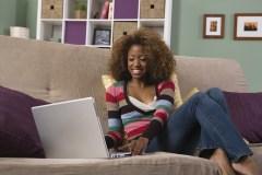 Classe virtuelle synchrone: un prof dans votre salon