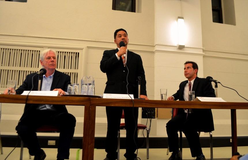 Débat à Mont-Royal: le candidat conservateur brille par son absence