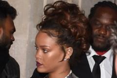 Vidéo: un intello pour Rihanna?