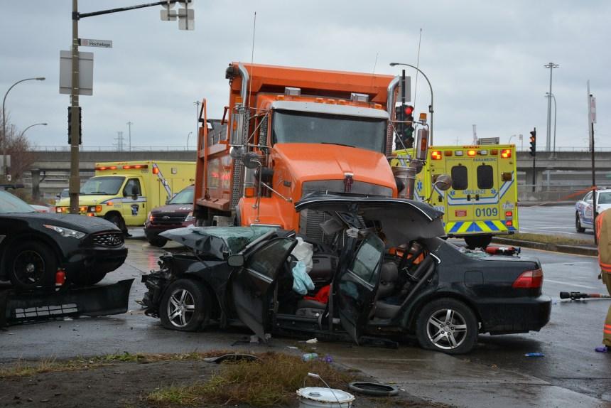 Accident rue Hochelaga et de Boucherville