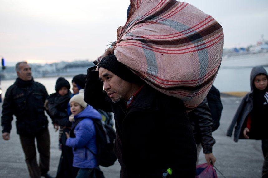 Migrants: une enquête de l'UE découvre des problèmes en Grèce