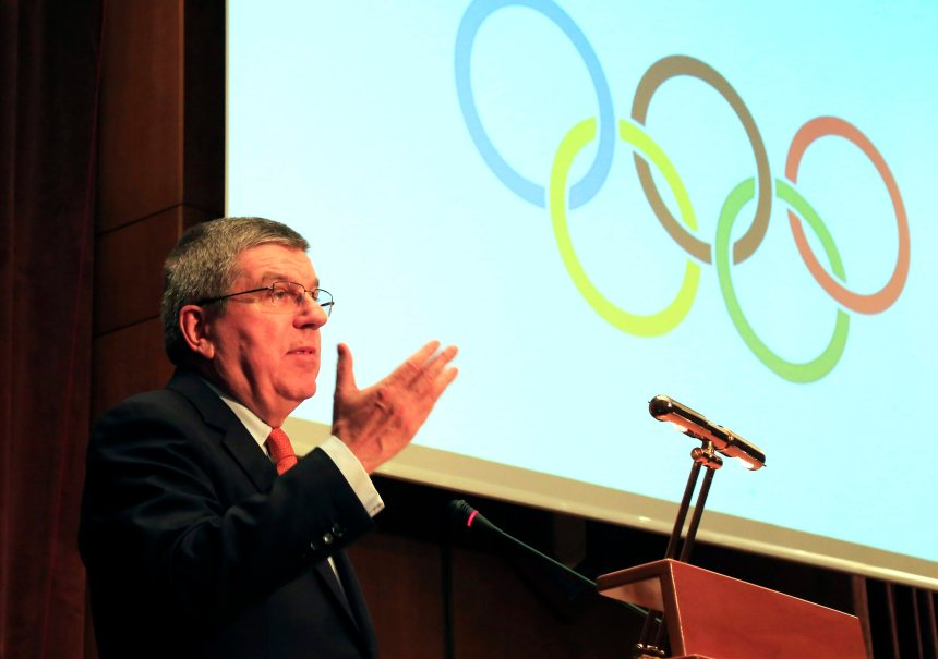 Les réfugiés seront honorés aux Jeux olympiques de Rio, dit Thomas Bach