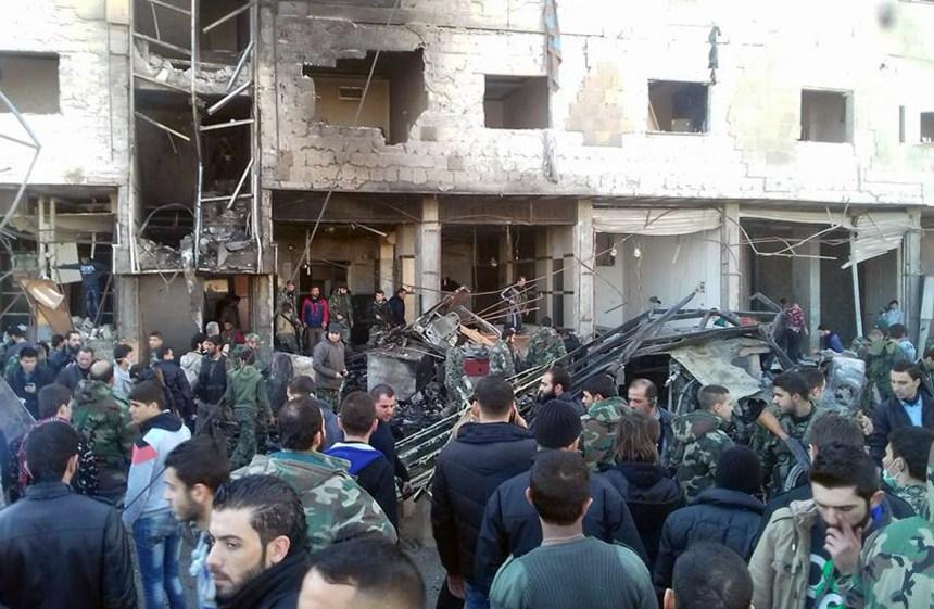 Un triple attentat fait au moins 50 morts près de Damas