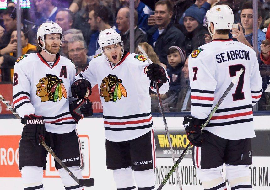 Kane et les Blackhawks battent les Maple Leafs 4-1