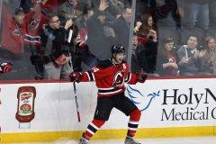 Henrique marque en prolongation et les Devils battent les Flyers, 2-1