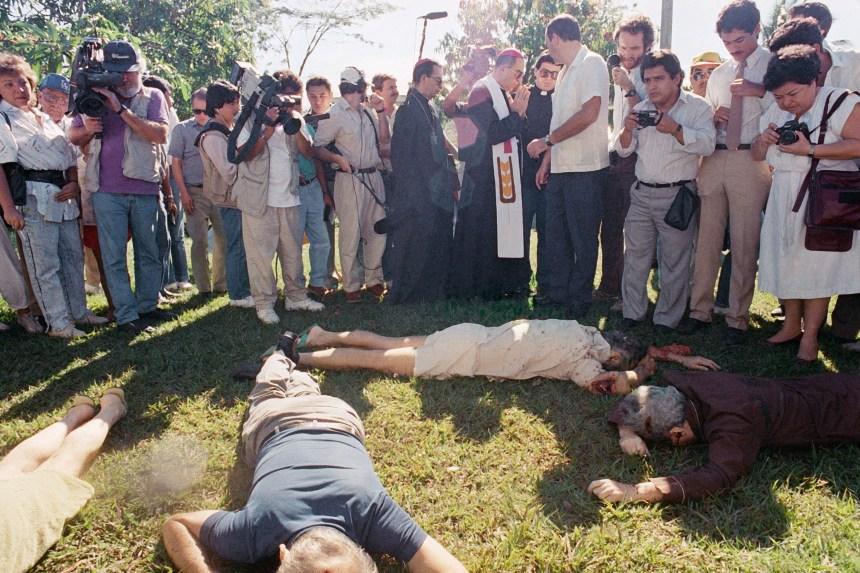 Quatre ex-soldats salvadoriens arrêtés en lien avec les meurtres de six jésuites