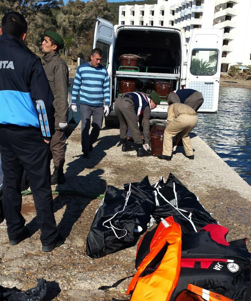 Neuf migrants, dont deux enfants, se noient au large des côtes de la Turquie