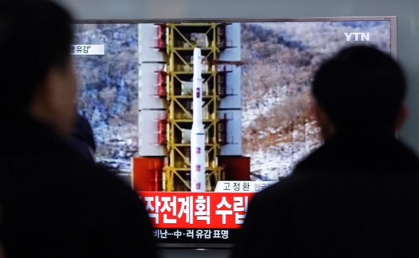 La Corée du Nord défie le monde en lançant une fusée à longue portée
