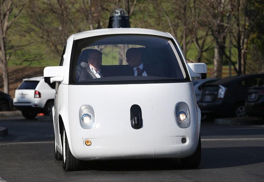 Québec doit se préparer à l'arrivée de la voiture autonome