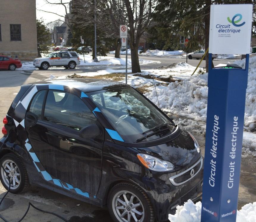 Nouvelles bornes de recharge pour les véhicules électriques à Saint-Laurent
