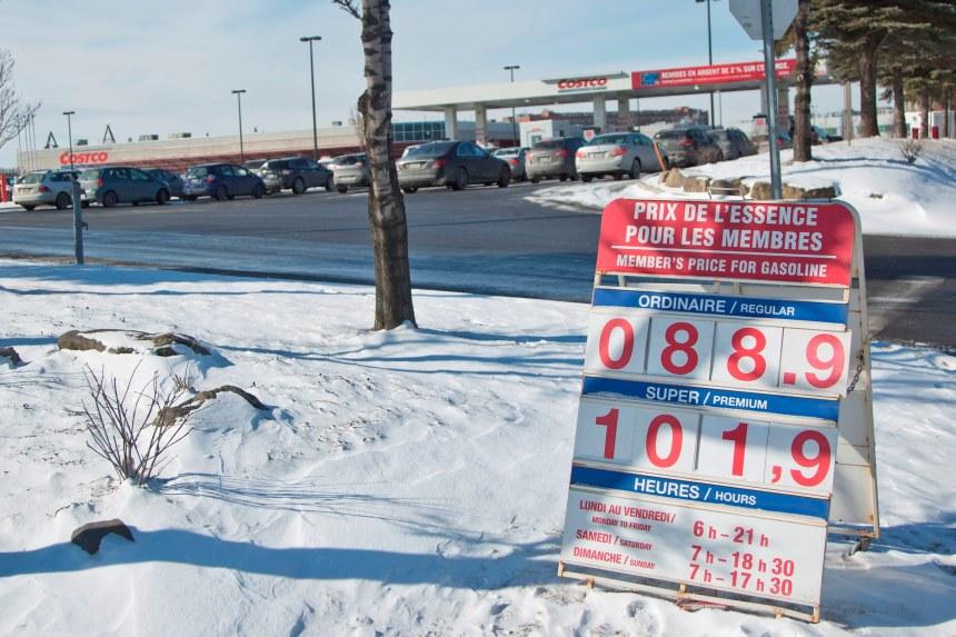 Le litre d'essence sous les 90 cents à Montréal