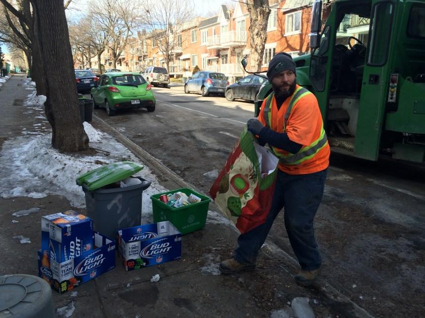 L'homme derrière la collecte des bacs verts à Rosemont