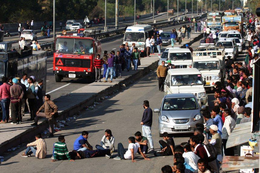 Des manifestations causent un problème d'approvisionnement d'eau à New Delhi