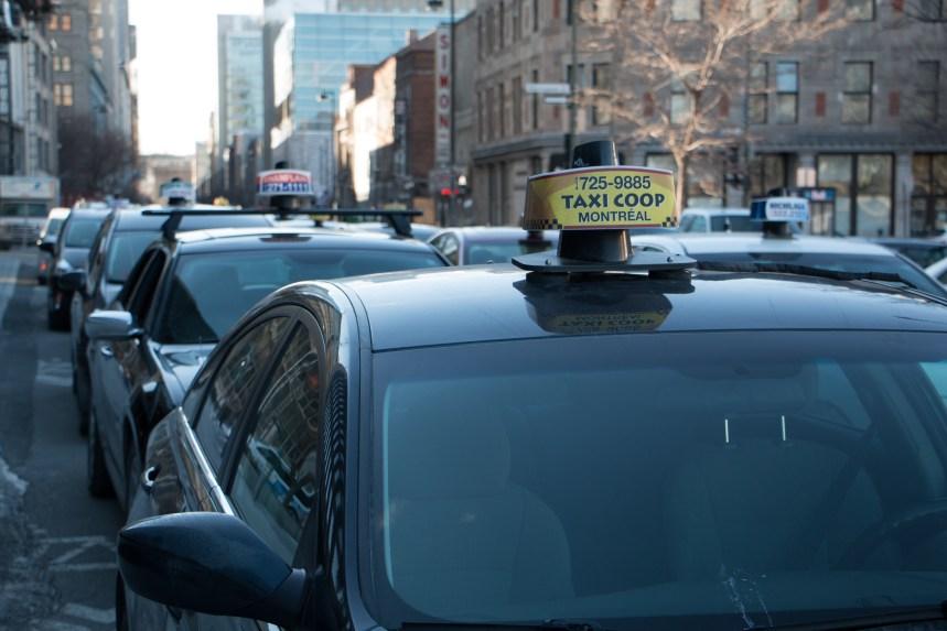 Les taxis veulent ralentir l'accès à l'aéroport Trudeau mercredi