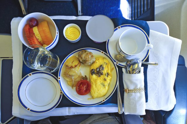 Voici à quoi ressemblent les repas d'avion partout dans le monde