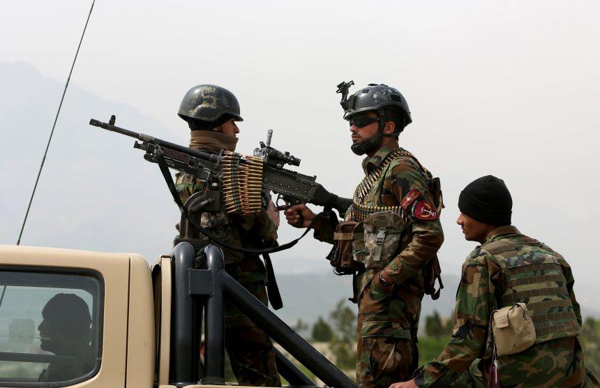 Huit policiers sont tués en Afghanistan